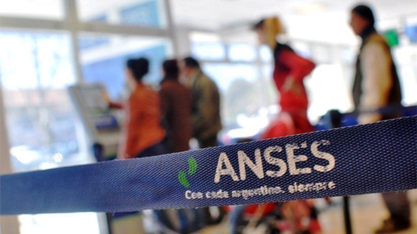 AUH: La crisis generó deuda a beneficiarios con el ANSES
