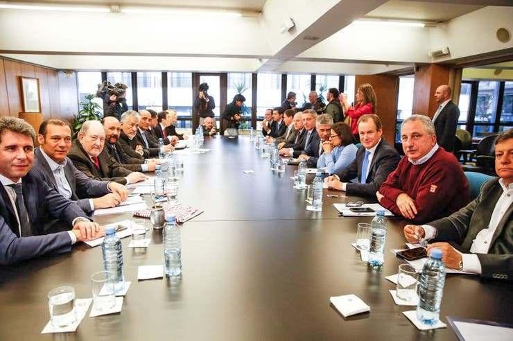 Los gobernadores, contra las medidas de Mauricio Macri