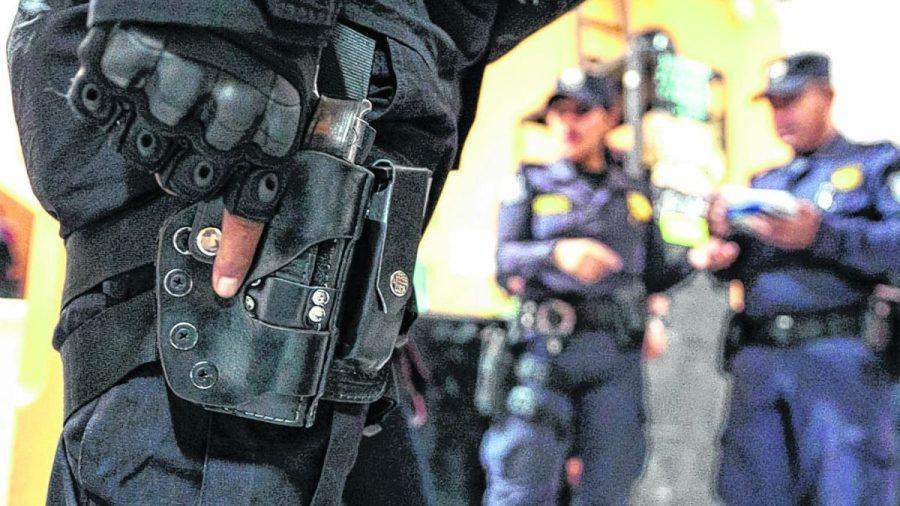 Policía y portación de armas de fuego