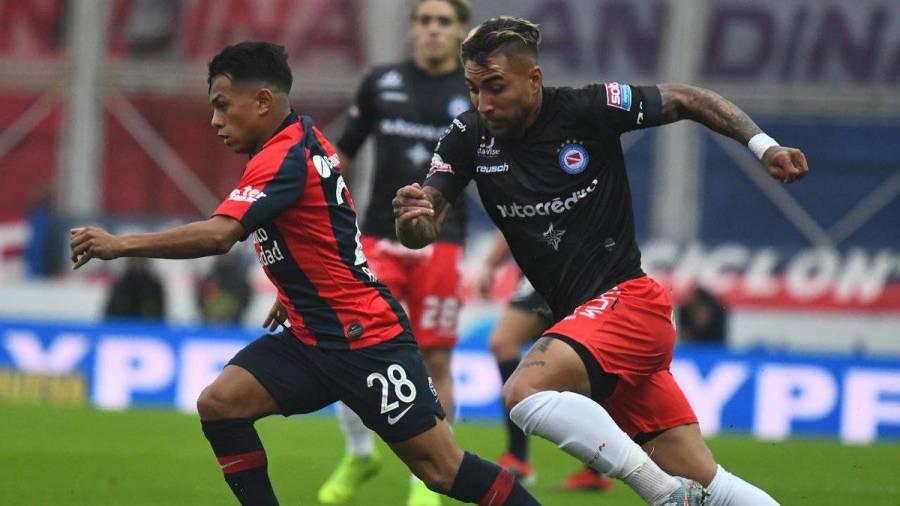 La cima de la Superliga se pone en juego en dos canchas