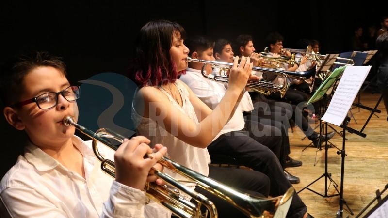 """El """"Campamento Sinfónico"""" coronó su cierre con un concierto a toda orquesta"""