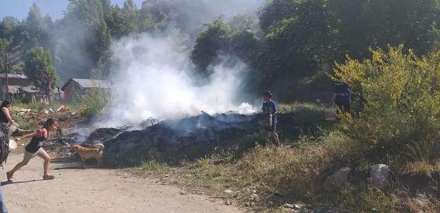 Lograron controlar un incendio en Albarracin y Vuelta de Obligado