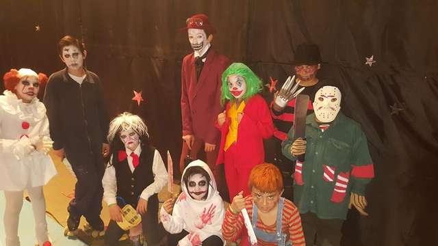 """La Escuela Manolo Rivero maravilló y """"aterrorizó"""" al público en el festival de Patín"""