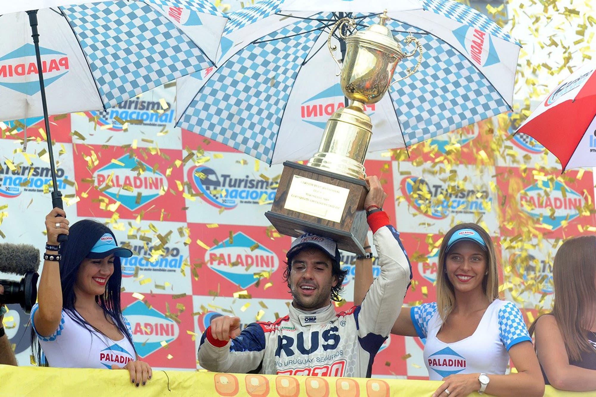Quién es José Manuel Urcera: el piloto de motocross que se consagró en autos