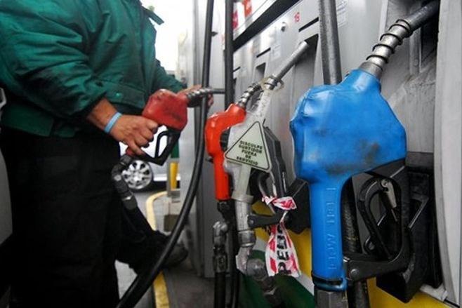 El gobierno suspendió el aumento de los combustibles