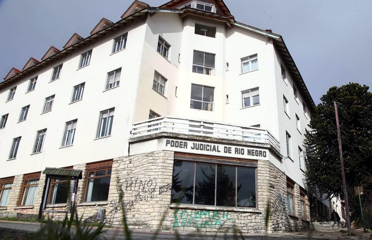 El Foyel: el Juez rechazó el pedido de desalojo del Fiscal