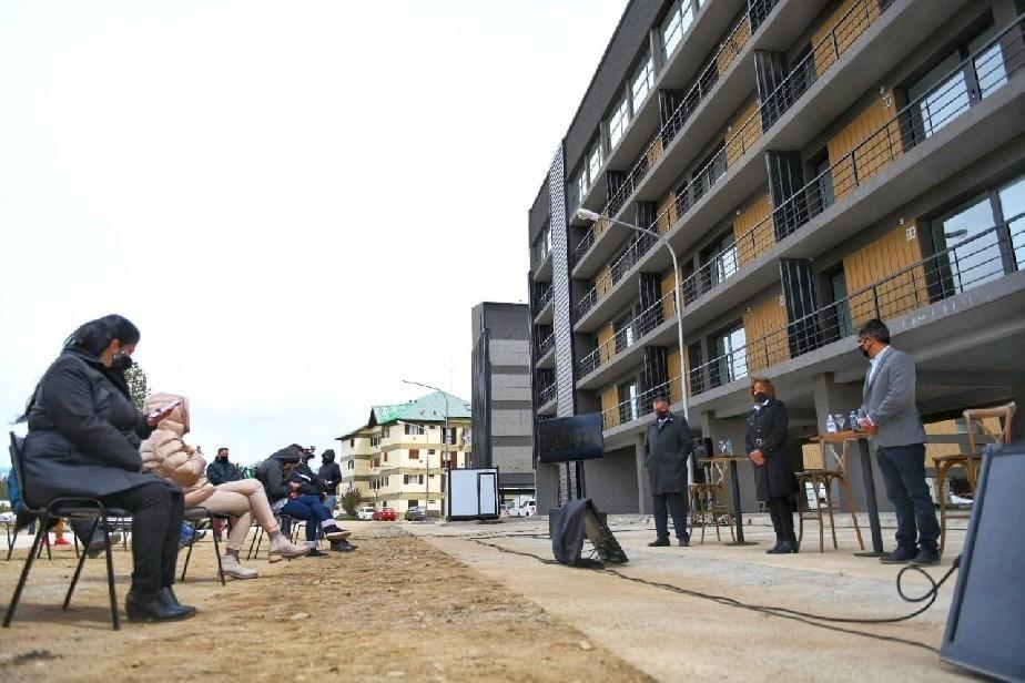 PROCERAR: entregaron viviendas Bariloche y Ezeiza