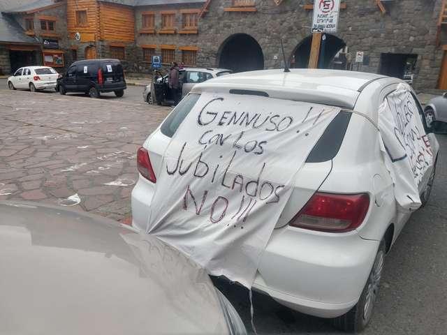 Fuertes reclamos de jubilados municipales hacia el intendente Gennuso