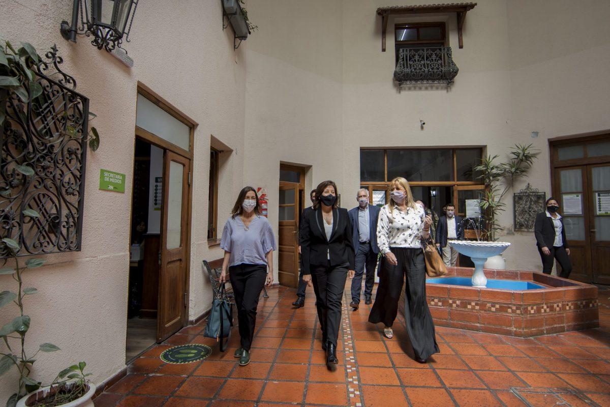 Conflicto en Mascardi: abren la mesa de diálogo en Viedma