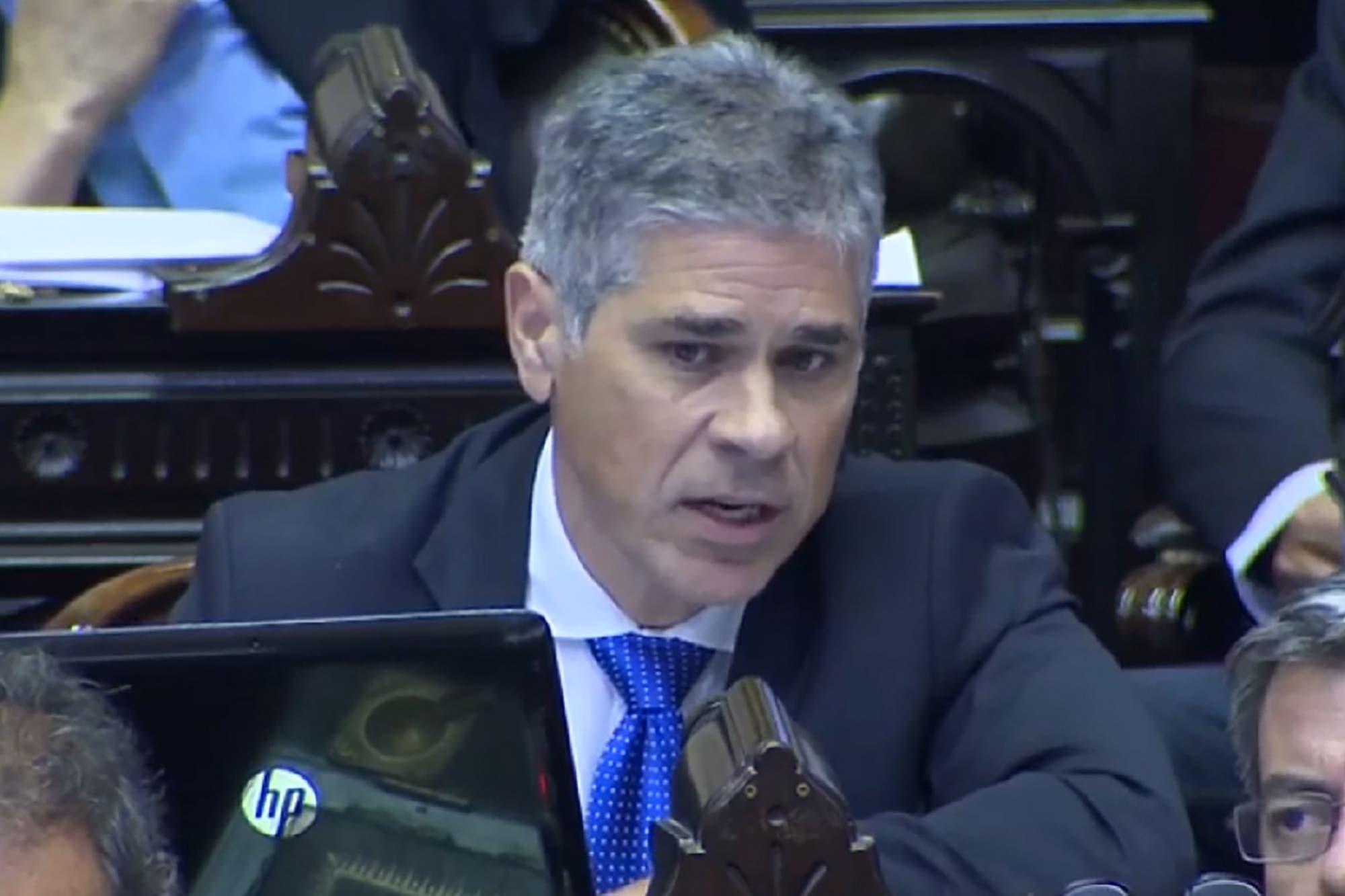 YPF: Nielsen renuncia a la presidencia y lo reemplaza el diputado por Santa Cruz Pablo González