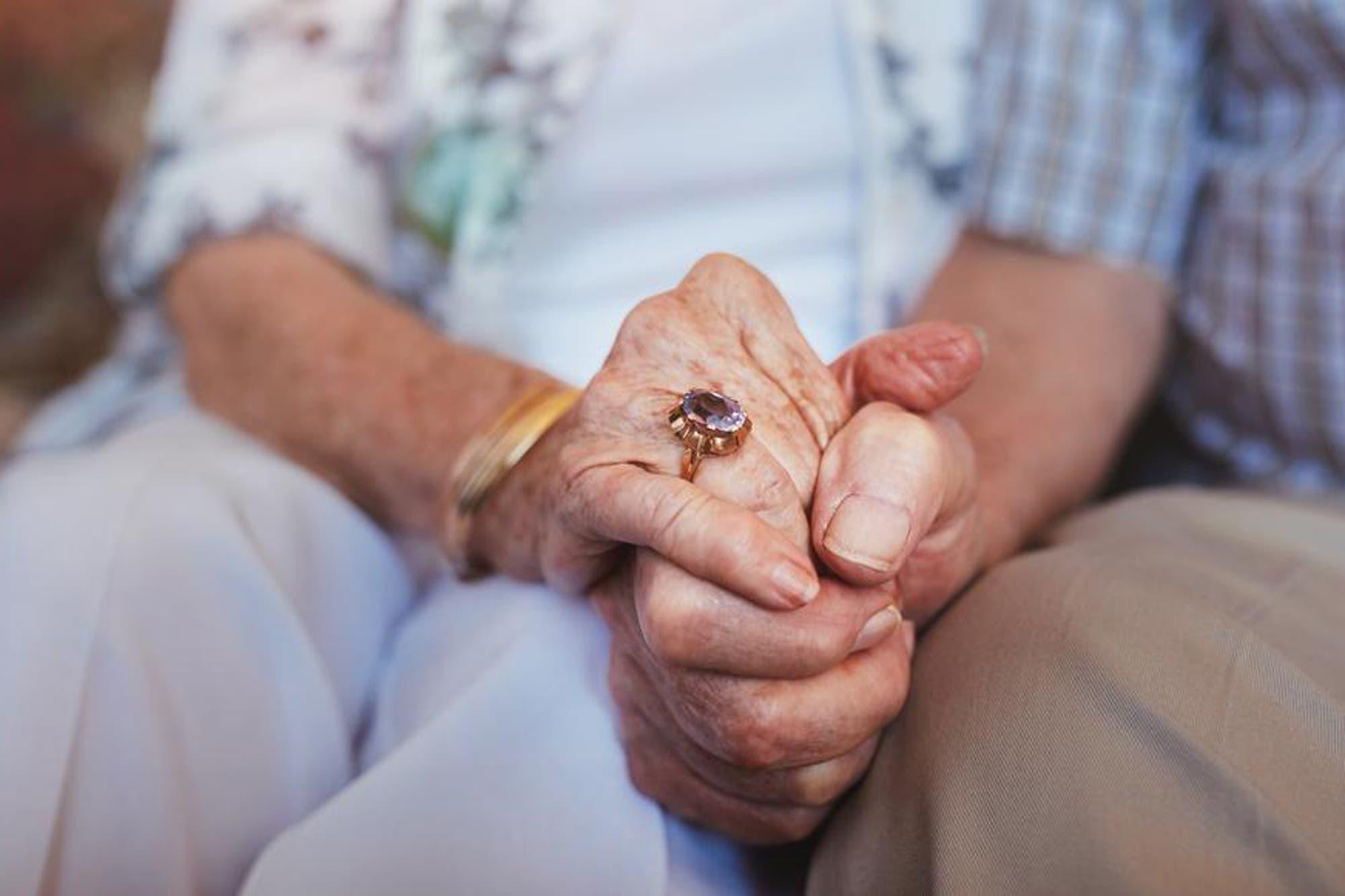 jubilaciones,-pensiones-y-aue-de-anses:-quienes-cobran-el-25-de-febrero