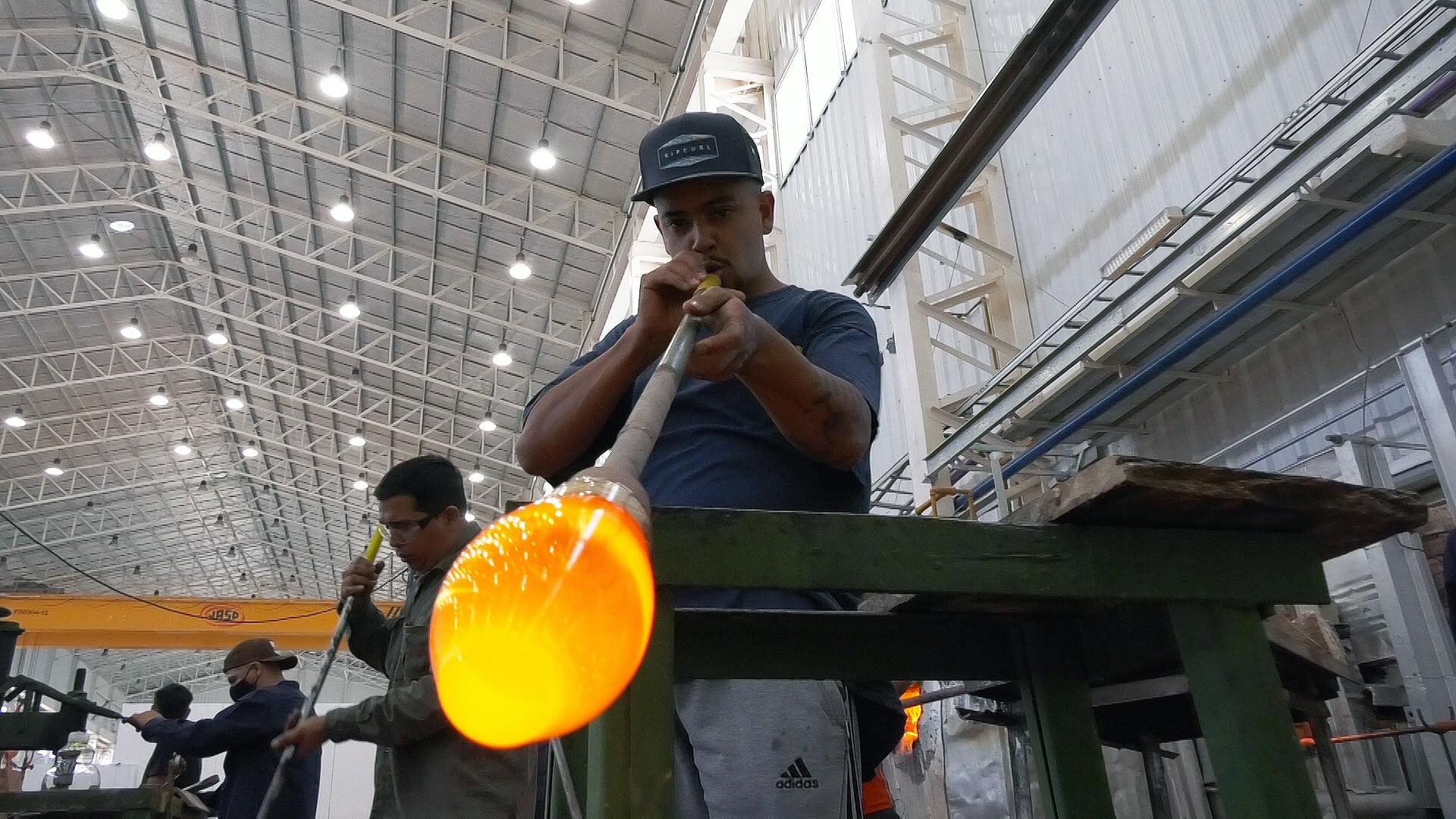 cutral-co-tiene-la-primera-fabrica-de-vidrios-en-el-parque-tecnologico
