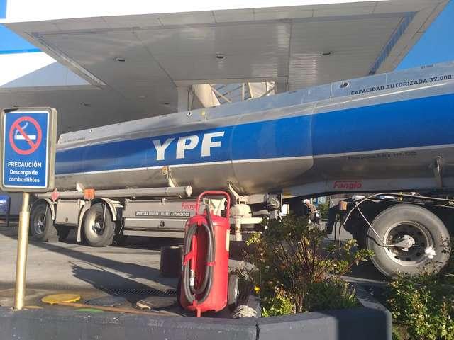 otro-aumento-en-los-combustibles:-asi-quedaron-los-precios-en-bariloche