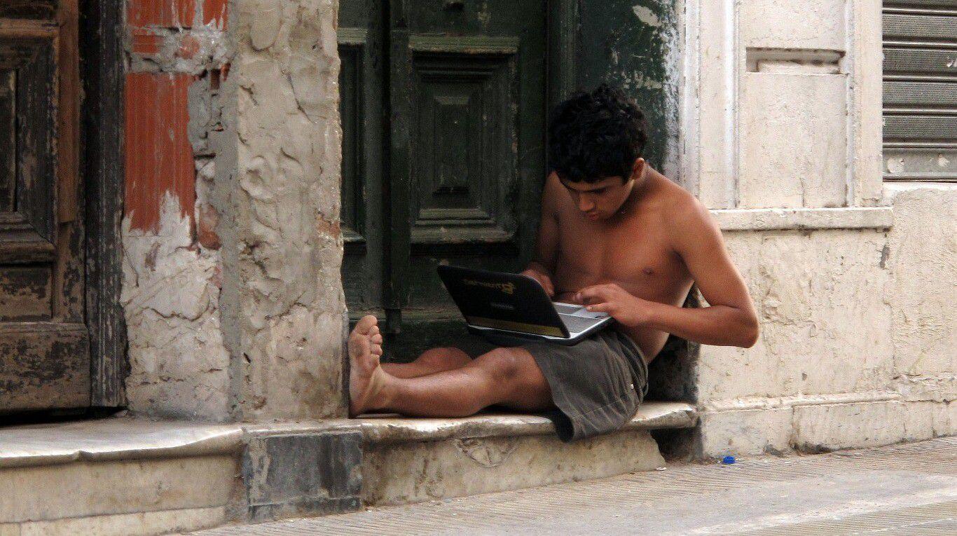 en-barrios-populares,-uno-de-cada-cuatro-estudiantes-abandono-la-escuela-durante-la-cuarentena-del-ano-pasado