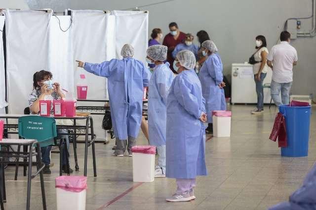 la-provincia-firmo-el-pase-a-planta-de-de-1.200-trabajadores-de-salud