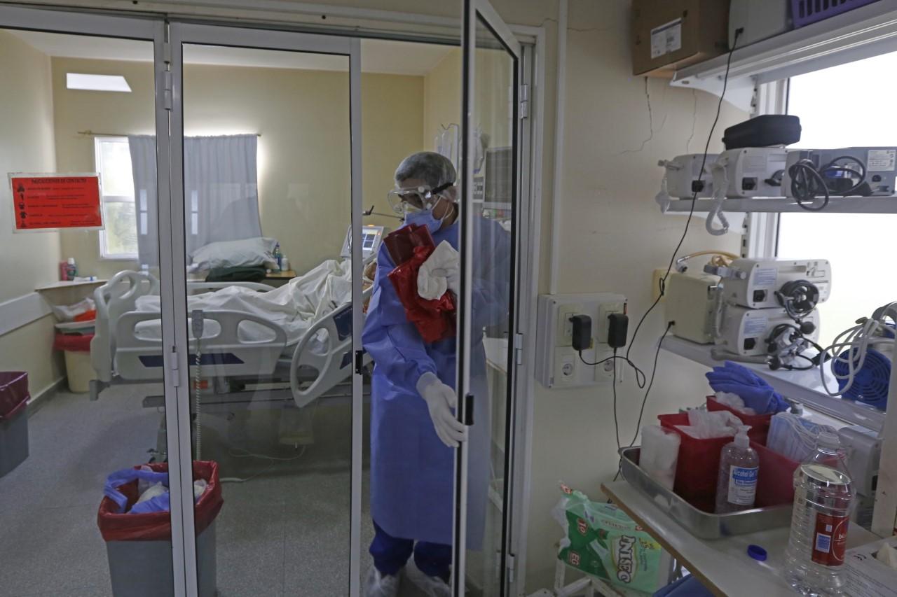 cinco-dias-de-duelo-nacional-por-los-mas-de-100-mil-muertos-de-coronavirus-en-el-pais