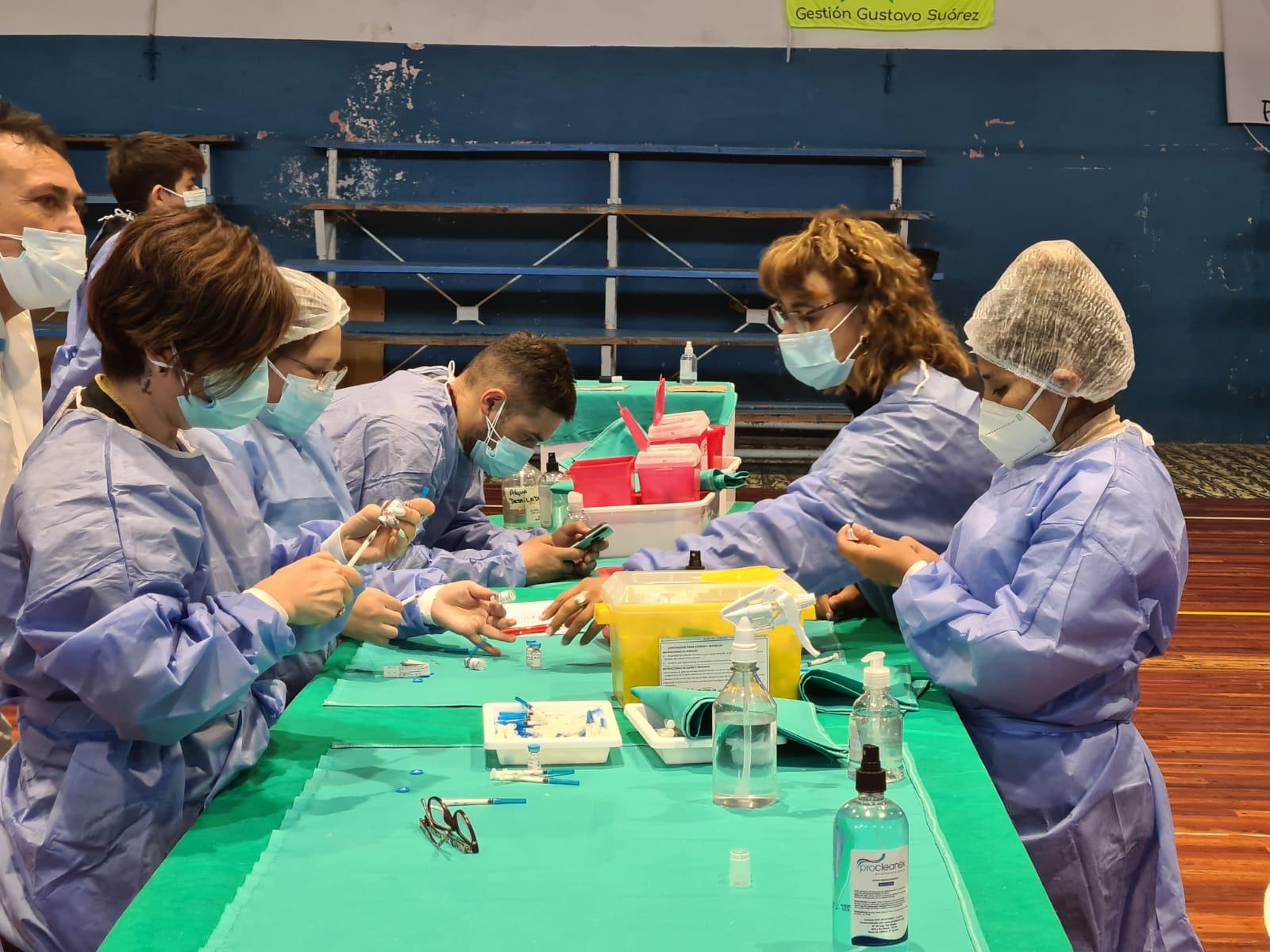 en-cutral-co-vacunaran-con-primeras-dosis-a-adolescentes-de-12-a-17-anos,-sin-turno