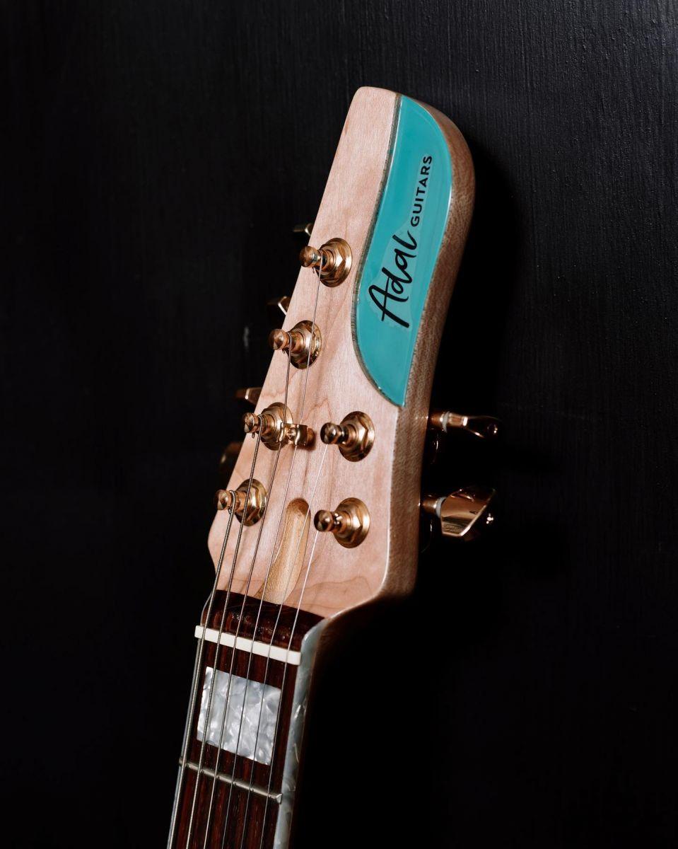 adal-guitars:-fabrica-instrumentos-en-bariloche-y-es-semifinalista-de-emprendedores-de-rio-negro